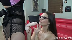 Slut Mind Mink puts on strapon coupled with fucks hideous girlfriend in frowardness coupled with pussy