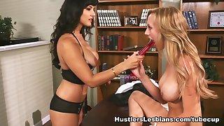 Hottest pornstar Sunny Leone in Fabulous Brunette, Blonde sex video