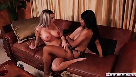 Ebony babe teaches straight latina friend how prevalent decrial pussy