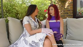 Classy lady Charlie Ten spreads the brush limbs for pussy licking