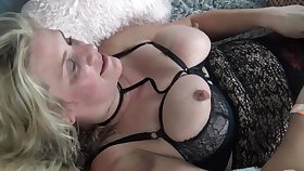 Hot lesbian amateurs kissing and licking each other sloppy juicy cunts