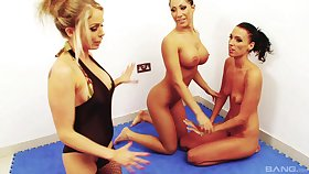 Lesbo sluts play with each other's drenched pussies on the confound